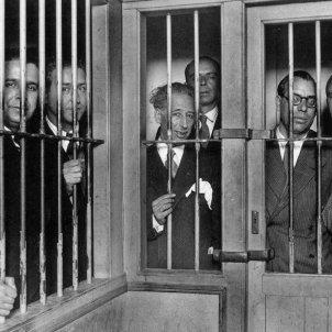 El govern espanyol deté i empressona el govern de la Generalitat. Font UPF (1)