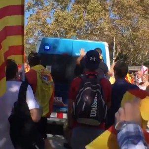 furgoneta mossos manifestació espanyolista