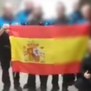 policia local sabadell bandera espanyola
