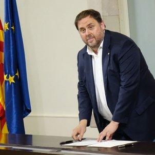 junqueras signa declaració Roberto Lázaro