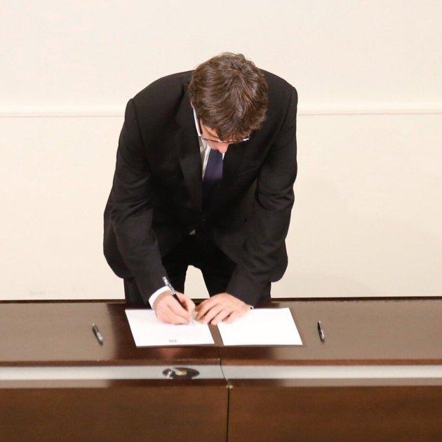 puigdemont signa independencia ple dui - sergi alcazar