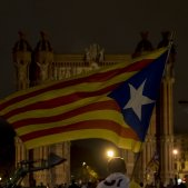 manifestacio passeig lluís companys laura gomez declaració i suspensió de la independència per part de Puigdemont DUI 15