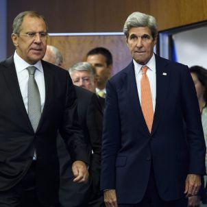 Serguèi Làvrov (Rússia) i John Kerry (EEUU) (EFE)