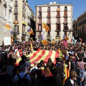 manifestacio estudiants plaça sant jaume   roberto lazaro