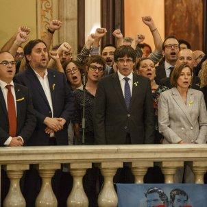 Discurs Puigdmont Independencia Republica Parlament - Sergi Alcàzar