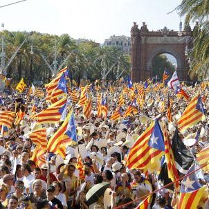 Vista general de la manifestació, situada a l'Arc del Triomf, a Barcelona.