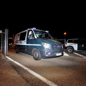 Furgó consellers arribant a la presó / EFE