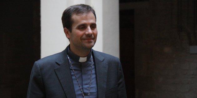 El obispo Novell pide la documentación para casarse por lo civil