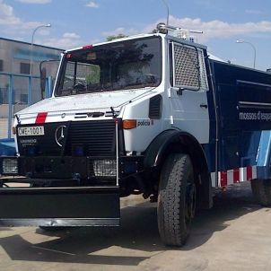 Camió canons d'aigua