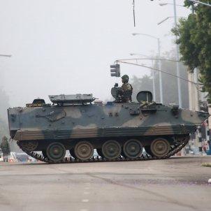 ZIMBAUE MILITARS EFE