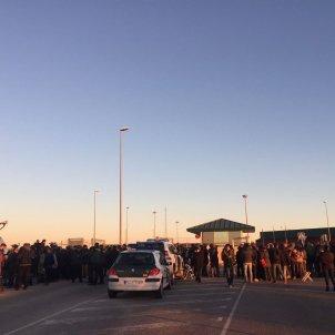 premsa porta estremera sortida consellers - carlota camps