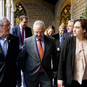 Colau amb Pere Chias gremi restauració ACN