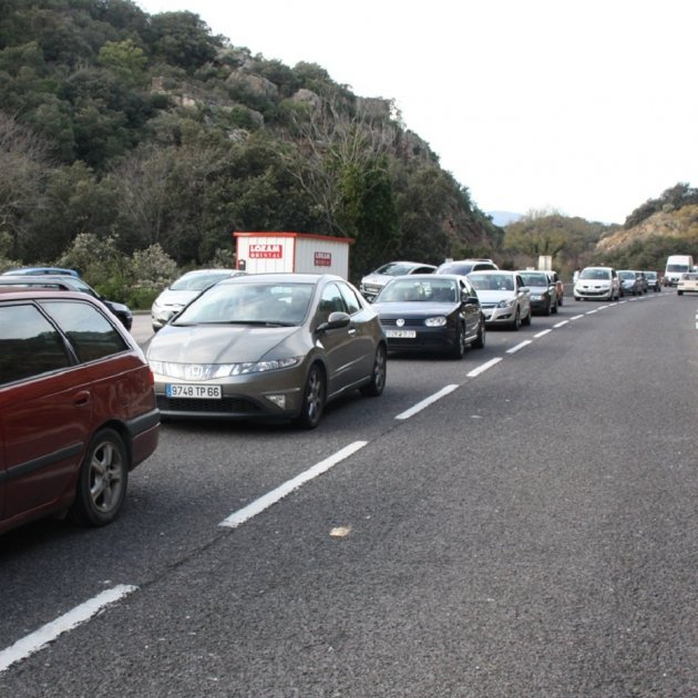 caravana cues pont puríssima cotxes - ACN