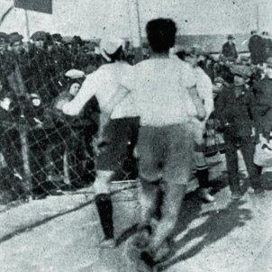 Es juga el primer partit de basquet a la península Ibčrica. Foto partit Europa Laietā. Font Enciclopčdia