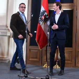 Sebastian Kurz (d), ministre austríac d'Afers Exteriors i líder del Partit Popular (ÖVP), i el líder del Partit de la Llibertat (FPÖ) Heinz Christian Strache (e) Palau Epstein, Viena, 20172115