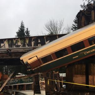 Tren descarrilat Seattle / Washington State Patrol