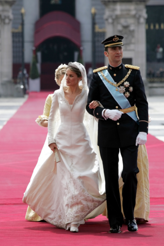 El Ex De Letizia Insinúa Que Conserva Fotos De La Reina Desnuda