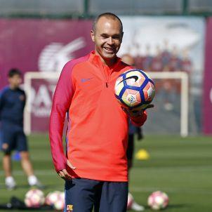 andres iniesta entrenament Barça FCB