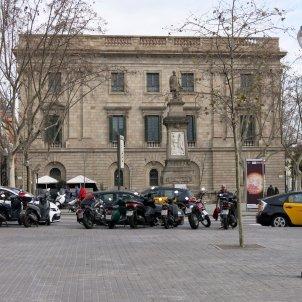Plaça i monument d'Antonio López