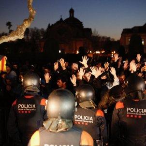 mossos manifestacio investidura parlament - sergi alcazar