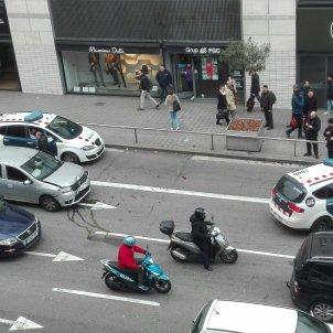 xoc mossos cotxe carrer pelai - sandra grau