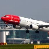 Norwegian Air Shuttle B737 LN NGH (8906326396)