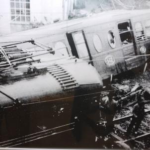 La tragèdia del tren de Sarrià. Fotografia dels combois sinistrats. Font Ajuntament de Barcelona