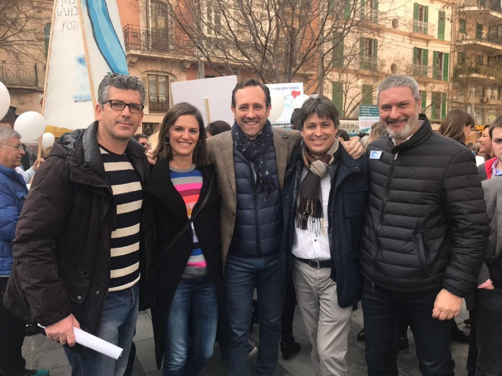 manifestació contra català Palma Twitter   @JosRosinol