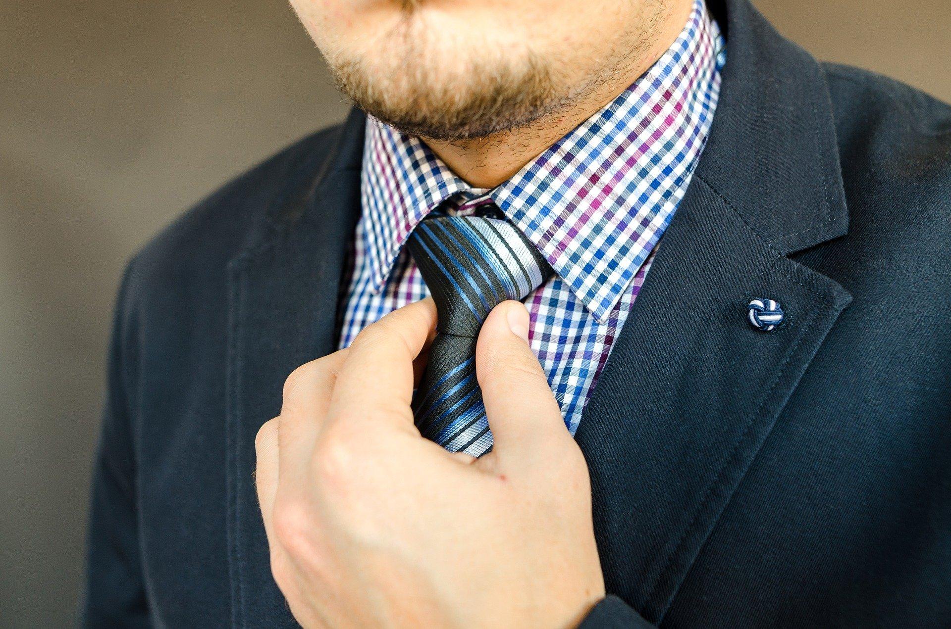 fora de registre corbata pixabay