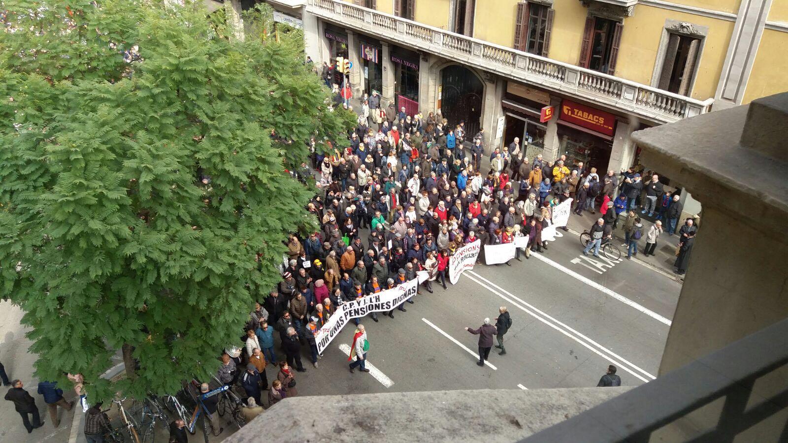 Manifestació pensions dignes via laietana E.M.
