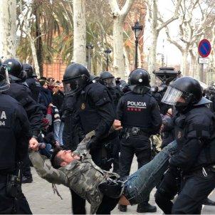 mossos desallotgen TSJC 2   Nicolas Tomás