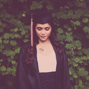 dones alumnes universitat ub pixabay