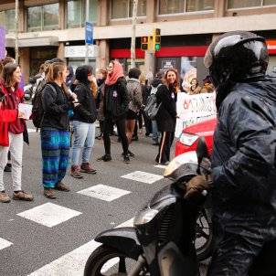 vaga feminista 8m escola industrial sergi alcazar (4)