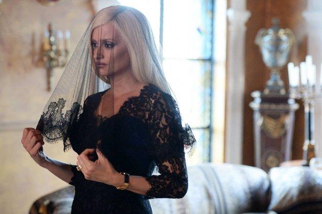 Antena 3 supera a TV3 con la sordidez de \'Versace\'