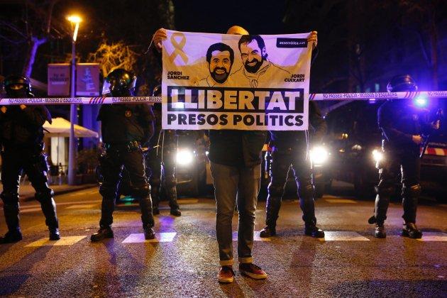 mani diputats presos policia Sergi Alcàzar