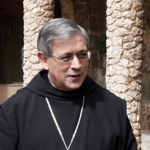 El conseller d'Interior, Felip Puig, amb l'abat de Montserrat, Josep Maria Soler (ACN)