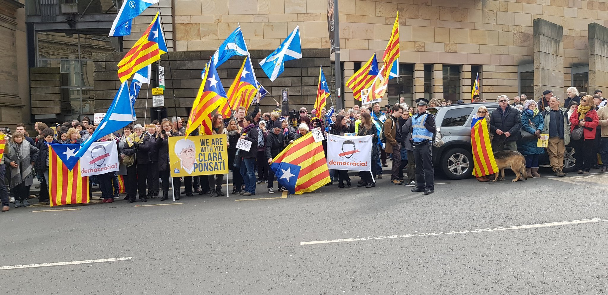 ovacio ponsati edimburg   catalansForYes
