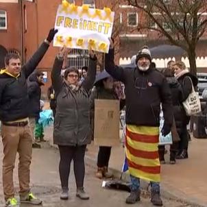 protesta portes Neumünster Cuatro