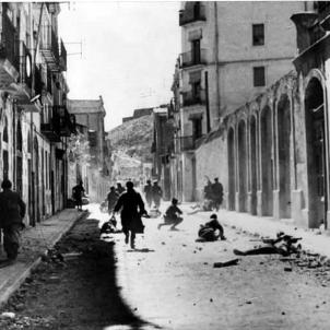 Les tropes franquistes ocupen Lleida. Barri de Gardeny. Font Wikimedia Commons (1)