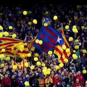 Camp Nou Llibertat Presos Politics Globus Grocs Independencia Barça EFE