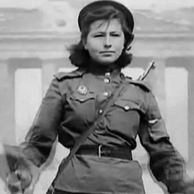 Retrato Coral De Las Mujeres En El Ejército Rojo