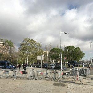 mossos davant Auditori Europa PRess