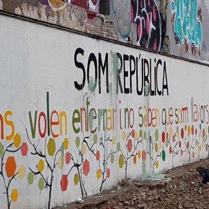 mural colau denuncia