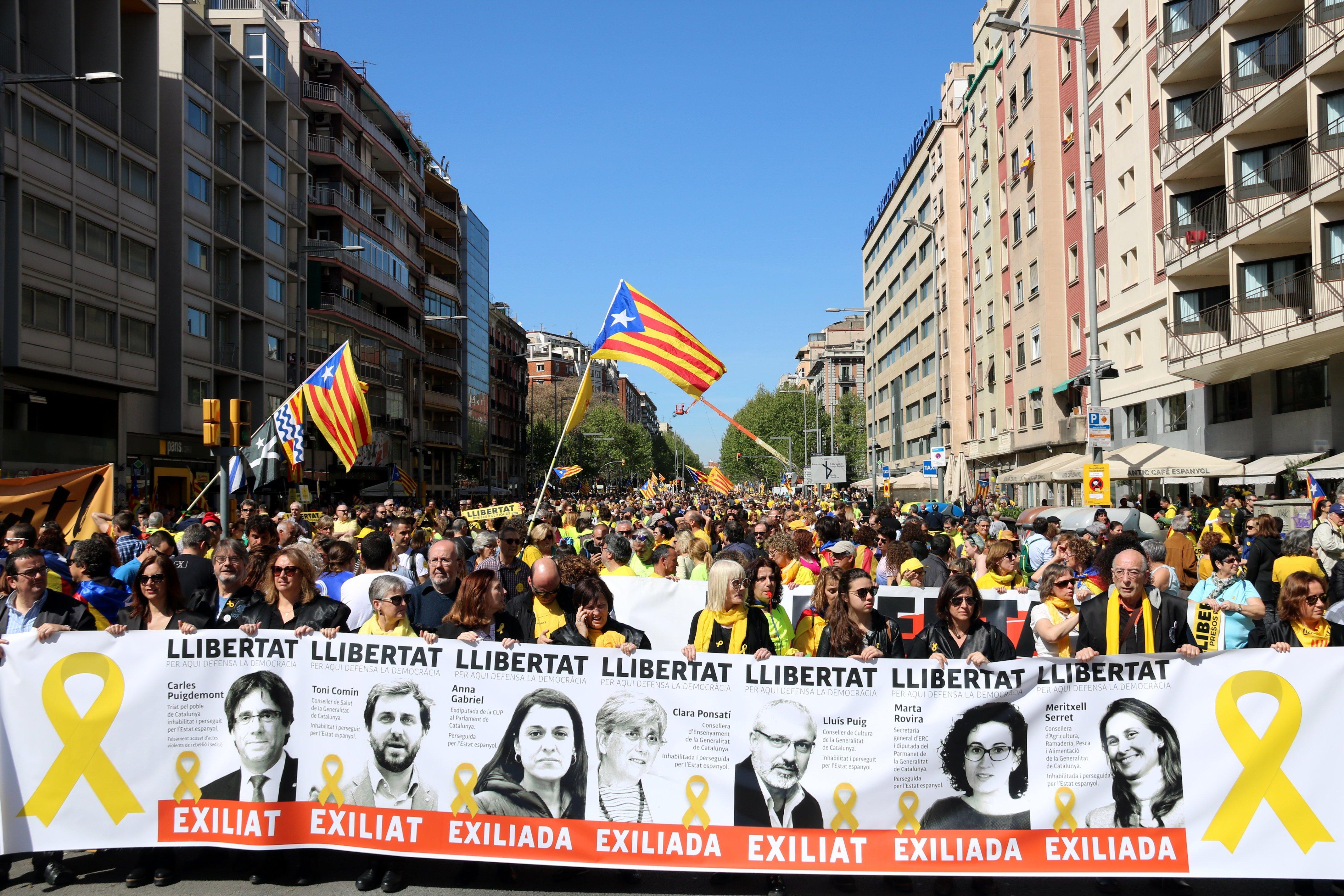 Manifestació presos pancarta ACN