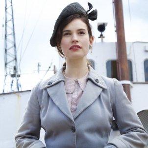 Lily james societat literaria pastis pela patata bcn film fest