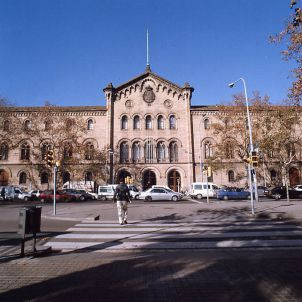 Façana de la Universitat de Barcelona UB. Jesús Corrius