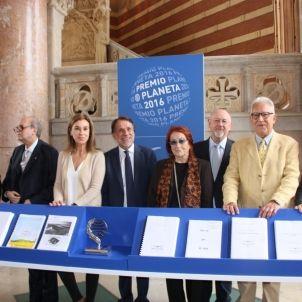 Premi Planeta Crehueras i jurat