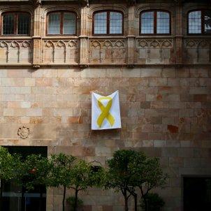 llaç groc palau generalitat reunio govern sergi alcazar (17)