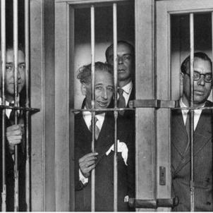 El president i el govern de la Generalitat empressonats. Octubre de 1934. Font Arxiu d'El Nacional