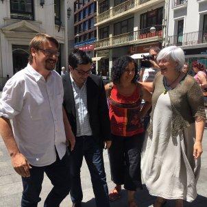 foto comuns Domènech, Pisarello, Sabater. Gisela Rodríguez